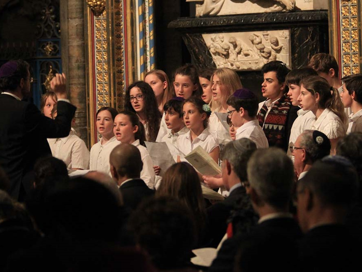 The Belsize Square Synagogue Youth Choir sings Guten Abend